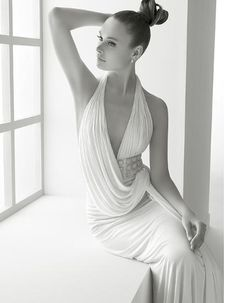 Love the Grecian look.