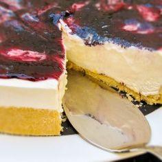 Cheesecake com geléia de amora