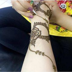 للحجز والاستفسار للواتسب:٠٥٢٨١١٠٨٦٢ #حناعادي #حناعروس #حنا_مناسبات #حنا_العين #حنا_الامارات Latest Henna Designs, Beginner Henna Designs, Arabic Henna Designs, Henna Designs Easy, Beautiful Henna Designs, Beautiful Mehndi, Henna Tattoo Designs, Mehandhi Designs, Hena Designs