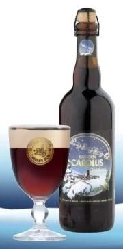 Cerveja Gouden Carolus Christmas, estilo Belgian Specialty Ale, produzida por Brouwerij Het Anker, Bélgica. 10.5% ABV de álcool.