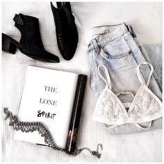 Black and white details. || Shop accessories: http://www.nastygal.com/accessories?utm_source=pinterest&utm_medium=smm&utm_term=show_off&utm_campaign=editorial