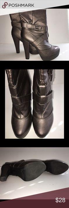 "SOFIA VERGARA Platform Ankle Boot Size 8 SOFIA VERGARA Size 8 Women's Tailgate Short Platform Boot In Pewter/Bronze (depending on lighting).        Heel Height-5"" Platform Height-1.5. ONLY WORN A FEW TIMES. PERFECT Condition. Sofia Vergara Shoes Ankle Boots & Booties"