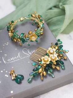 Items similar to Gold emerald bridal haircomb, Wedding flower hair piece, Delicate bride virid headpiece, floral dark green bridesmaid comb, Crystal jewerly on Etsy Bridesmaid Jewelry Sets, Wedding Jewelry Sets, Green Gold Weddings, Best Friend Bracelets, Flower Hair Pieces, Cute Dresses For Party, Floral Wedding Decorations, Wedding Hair Flowers, Hair Comb
