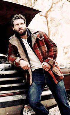 Love that rugged look more lumberjack beard, lumberjack style Rugged Style, Rugged Look, Lumberjack Style, Lumberjack Beard, Lumberjack Outfit, Jai Courtney, Herren Style, Look Man, Mens Fashion Suits