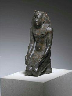 Bronze kneeling statuette of Pharoah Necho II.Late Period 26th Dynasty, r. 610-595 B.C. •The Brooklyn Museum of Art, New York•