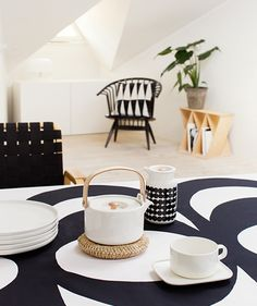 White Oiva Teapot by Marimekko Marimekko, Black And White Design, Black White, Scandinavian Home, Living Furniture, Living Room Inspiration, Diy On A Budget, Home Collections, Home And Living