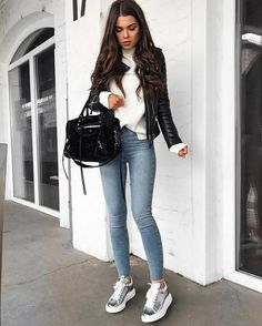 ideas for spring outfits casual women Uni Outfits, Mode Outfits, Jean Outfits, Casual Outfits, Fashion Outfits, Fashion Ideas, Fashion Styles, Fashion Clothes, Sneakers Fashion