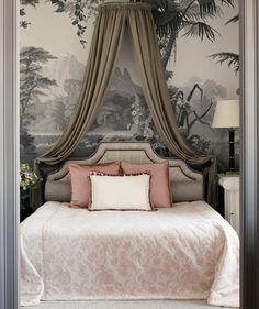 Check the wallpaper image by visiting the following link : http://degournay.com/leden-design