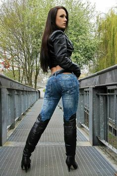 Sexy Jeans, Bruna Marquezini, Sexy Stiefel, High Leather Boots, Black Leather, Leather Jacket, Thigh High Boots Heels, Biker Girl, Sexy Boots