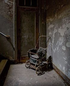 ludivinedix:    Worcester State Hospital. Jeremy Harris. < this isn't even a half an hour from my home!