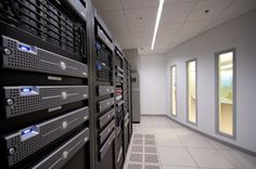 Top 4 Web Hosting Service Providers Of 2013 - iPage, HostGator, FatCow and Bluehost