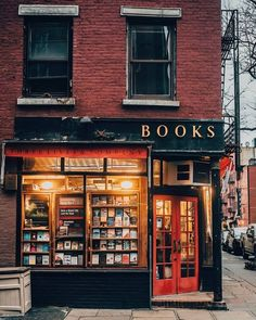 Three Lives Books, New York 📷 a Favorite West Village Book Shop & Storefront - magical evening twilight capture. Autumn Aesthetic, Book Aesthetic, Adventure Aesthetic, Orange Aesthetic, Store Fronts, Bibliophile, Book Lovers, Book Worms, Coffee Shop