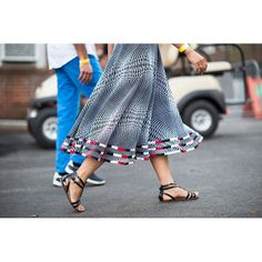 Street Style: Bastille Day the New York City Way, By Le Adam Katz Sinding Pump It Up, Classic Chic, Bastille, Digital Pattern, Printed Skirts, Parisian, Style Icons, Yup, Midi Skirt