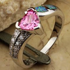 'Pink Topaz Fire & Ice Opal(White Opal)' is going up for auction at 10pm Sun, Sep 30 with a starting bid of $20.