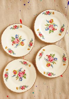 Vintage Slice of Life-like Plate Set - Cream, Red, Green, Pink, Gold, Floral, 80s
