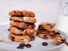 No flour, butter or refined sugar needed for these easy peasy cookies. Almond butter makes up the base of these cookies and the macadamia nuts adds such a great crunch to them. Of course we had to throw in a few chocolate chips as well! Runner Beans, Almond Butter, Easy Peasy, Vegan Desserts, Chocolate Chip Cookies, Dairy Free, Sweets, Food, Gummi Candy