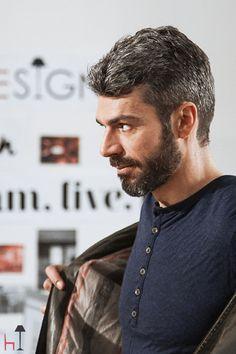 Luca Argentero da LOVEThESIGN: primo giorno di nuovo lavoro! #inufficioconluca My Crush, How To Look Better, Crushes, Tv Shows, Films, Handsome, Poses, Actors, People