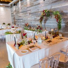 Head Table Wedding, Table Settings, Table Decorations, Furniture, Home Decor, Table Top Decorations, Interior Design, Place Settings, Home Interior Design