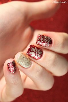 fair isle nail art #holiday #christmas #nails #cocosnailss #sweater