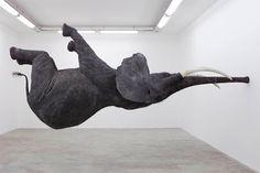 Sculpture éléphant par Daniel Firman.  Impressionnant !