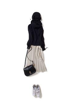 黒ニットをHappyなムードで着る気分 2015-10-17 | sweater price :32,400 brand : THE IRON | skirt price :18,360 brand : NUDY MELLOW | cap price :19,440 brand : REGINA