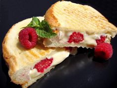 Grilled cheese filled with raspberries, brie, and honey Vegetarian Lifestyle, Vegetarian Recipes, Sandwich Maker Recipes, Panini Press, Brie, Raspberry, Grilling, Sandwiches, Goodies