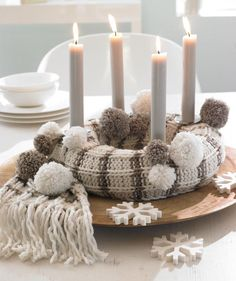 Christmas knitting inspiration / Schal für Adventskranz: http://de.knitsmc.com/patterns/schal-fu%CC%88r-adventskranz