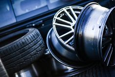 It may seem strange to buy tires online. You might imagine a set of four large tires arriving by courier and then you have to pack them up and transport Service Auto, Car Repair Service, Volvo, Jaguar, Used Rims, Buy Tires, Tires Online, Automobile, Tyre Shop