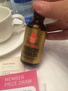 Thrilled to see @mirashand today. This Argan oil is my go-to beauty product. And, it's not just me that loves Mira's Hand, Sarah Wilson does too. #IQS #businesschicks  http://www.sarahwilson.com/2012/07/13-lush-eco-beauty-tricks/