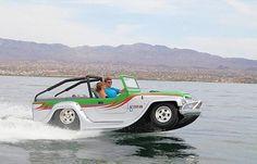 Basado en un Jeep CJ-8 arreglado con un casco de fibra de vidrio y un chasis de acero ligero, en tierra se impulsa gracias a un motor de aluminio Honda V6 de 3,7 litros que entrega 305 CV, y al zambullirse en el mar usa un motor Jet H450 de 500 CV. Su masa es de 1.340 kg y se mueve a una velocidad máxima de 127 km/h sobre superficies sólidas, mientras que en el agua alcanza los 70 km/h.