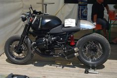 BMW Motorcycles Cafe Racers --> Check out THESE Bimmers!! http://germancars.everythingaboutgermany.com/BMW/BMW.html