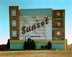 West Ninth avenue, Amarillo, Texas, 2 ottobre 1974. - (Stephen Shore, Contrasto)