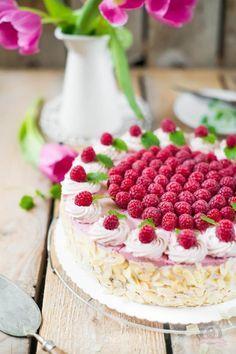 Himbeer-Sahne-Torte à la Grand-mère – ein leichter rosa Tortentraum… #ichbacksmir #torte