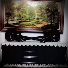 Painéis de madeira  Guitarra 98cm   Faça sua encomenda  Www.facebook.com/palavraseletrasdecorativas