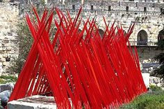 """Dale Chihuly: Red Spears at """"Chihuly in the Light of Jerusalem 2000 Exhibition"""" Dale Chihuly, Sculpture Art, Sculptures, Blown Glass Art, Glass Garden, Public Art, Glass Design, Installation Art, Sargent Art"""