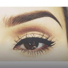 Small wing eyeliner