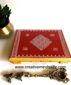Rangoli Kolam Designs, Kolam Rangoli, Padi Kolam, Wooden Alphabet, Wooden Letters, Alpona Design, Festive Crafts, Rangoli With Dots, Pooja Rooms