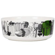 Marimekko's Siirtolapuutarha and Räsymatto collections have a pleasant feel of nostalgia. The clean, streamlined Oiva ceramic tableware was designed by Sami Ruotsalainen, and the Siirtolapuutarha and Räsymatto patterns were drawn by Maija Louekari. Marimekko, Classic Dinnerware, Allotment Gardening, Ceramic Tableware, Ceramic Painting, Summer Flowers, Good Company, Dog Bowls, Decorative Bowls