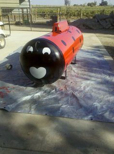 I didn't like the boring old propane tanks so I painted mine into a ladybug Propane Tank Art, Propane Tank Cover, Metal Yard Art, Metal Art, Outdoor Art, Outdoor Ideas, Outdoor Stuff, Tank Design, Outdoor Projects