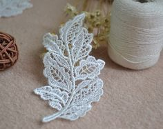 10 PCS Sewing Victorian Embroidery Venice Lace Ivory Leaf Appliques