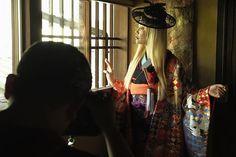 前回京都の町家で撮影した時の撮影模様 CULWAでは年に数回国内外のカメラマンブライダルスタジオと一緒に撮影をしていく予定です こちらはfacebookのフォロワー7万人以上の台湾のスタジオ @sixpence_photo とコラボして作品撮りをした写真です 和装にヴィンテージぽいヘアアクセをつけて洋のテイストを入れるのがまさにCULWA style  撮影に関するお問い合わせはLINEにて承ります Culwa LINEアカウント umz7792n  #結婚#結婚準備#結婚式準備#結婚式写真#ブライダル#ブライダルフォト#ウェディング#フォトウェディング#ロケーション撮影#前撮り#後撮り#花嫁#プレ花嫁#日本中のプレ花嫁さんと繋がりたい#京都婚#色打掛#着物#和装#打掛#引振袖#白無垢 #wedding#weddingphoto#weddingphotography#weddingdress#culwa#culwastyle#photoshooting#dress#photowedding
