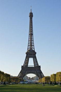 """* Tour Eiffel * Vista do """"Champ-de-Mars"""". # Paris, França."""