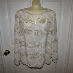 HOLIDAY SALE GOING ON NOW!!!  New York and Company White/Cream/Grey Floral Print Top Size Large VERY NICE!! #NewYorkCompany #Slipover #CasualCareer