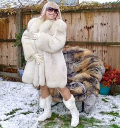 ❤ White saga fox fur CREATEUR coat jacket size XL Fabulous!