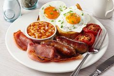 a-full-english-breakfast-fried-eggs-irish-bacon-bangers-baked-beans-hash-br/ - The world's most private search engine Breakfast Menu, Best Breakfast, Breakfast Recipes, Bacon Breakfast, Dinner Recipes, English Breakfast Traditional, Full English Breakfast Ideas, Hangover Food, Cafe Food
