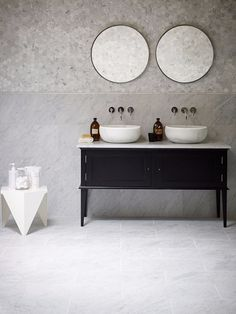 Marble bathroom looks, marble floor tiles, hexagon marble wall tiles and Chelsea Stone Topped Painted Vanity Unit all from Mandarin Stone. The classic and timeless look we want for our bathroom as well. Oak Vanity Unit, Bathroom Vanity Units, Bathroom Furniture, Bathroom Interior, Modern Bathroom, Bathroom Taps, Bathroom Marble, Design Bathroom, Double Basin Vanity Unit