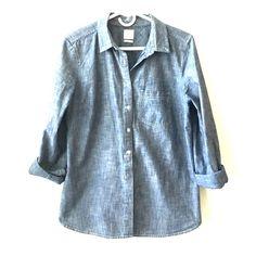 Gap Tailored Chambray Shirt Long sleeve denim shirt from Gap. Like new GAP Tops Button Down Shirts