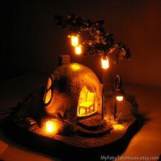 Fairy House, casa di elfo della foresta, racconto Fairy House, casa di legno elfo casa hobbit, lampada, lampada da tavolo, lampada d'arte, casa d'arte, fata casa di MyFairyTaleHouse su Etsy https://www.etsy.com/it/listing/169521370/fairy-house-casa-di-elfo-della-foresta