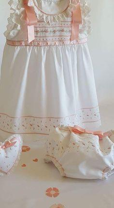 Hecho a mano Delantal Vestido 6-12 Meses Bebé Niñas Hermoso Crema Tela Floral