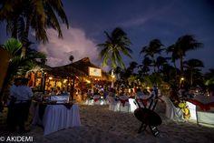 Wedding photo_Isla Mujeres Mayan Beach Club  ウエディングフォト_イスラムヘーレス マヤン ビーチクラブ  AkiDemi Photography  www.akidemi.com
